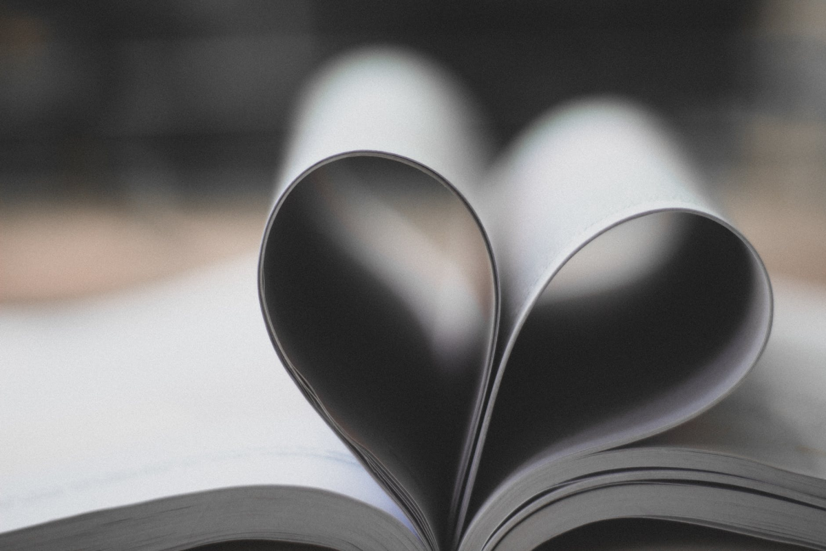 10 Reasons to Become a Book Lover